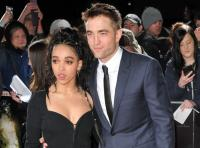 6. FKA Twigs und Robert Pattinson